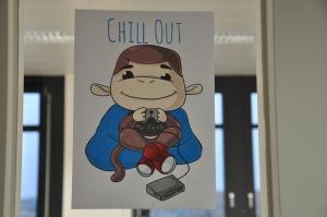 Firmenmaskottchen Monkey beim Chillen